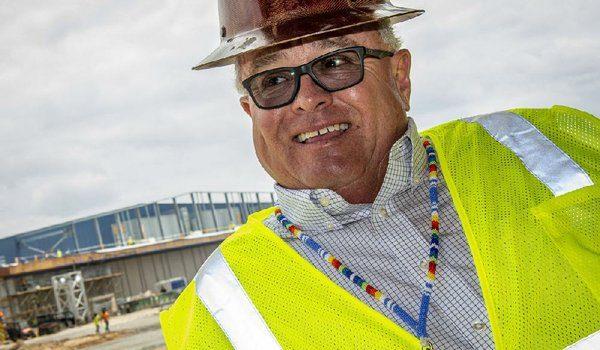 John Berrey bekerja untuk membuat Saracen Casino Resort mencerminkan sejarah suku