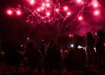 Dua kasino area Palm Springs maju terus dengan kembang api Fourth of July