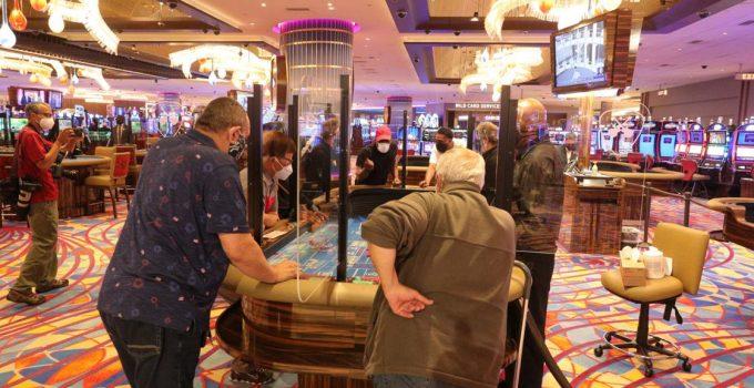 Kasino Atlantic City melihat kerumunan yang lebih muda selama pandemi coronavirus ketika penjudi yang lebih tua mundur   Kasino & Pariwisata