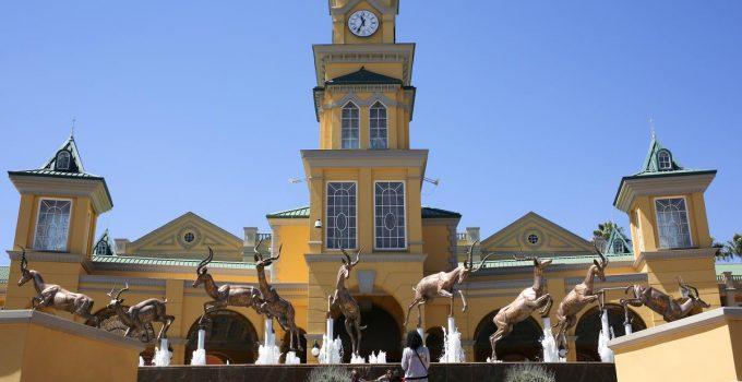 Afrika Selatan akan membuka kembali kasino dan bioskop meskipun COVID-19 menyebar